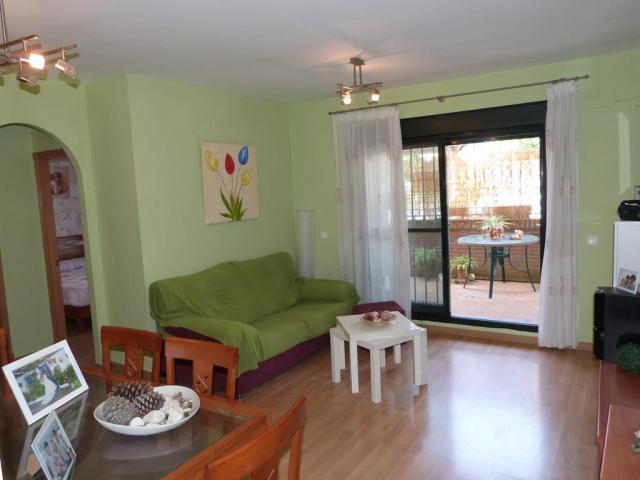 Apartamento en Nerja con 2 dormitorios y piscina