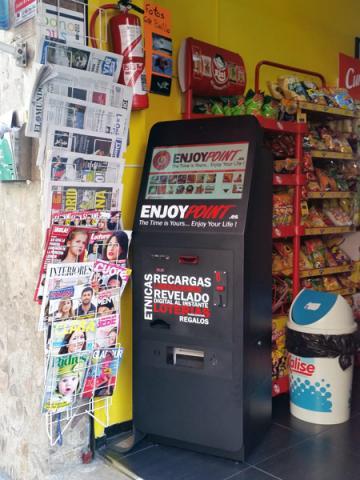 Recargas móviles, canalización de loterías... rentable máquina