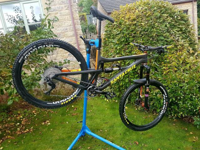 Bicicleta Santa Cruz Nomad CC Carbono 2016
