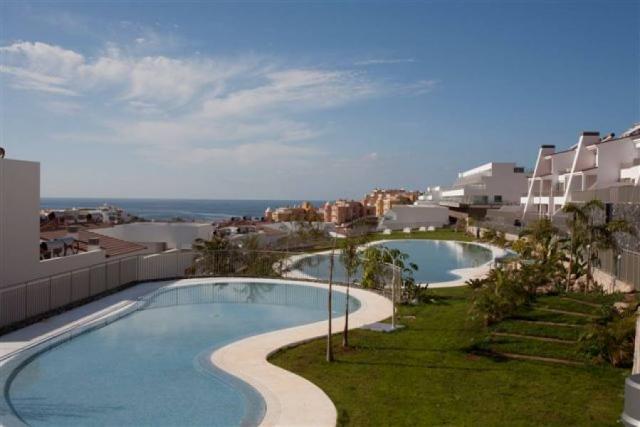 En Venta, 2 Dormitorio Apartamento de Lujo - Magnolia Golf Resort - La Caleta -