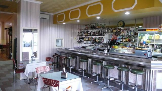 TRASPASO CAFETERÍA RESTAURANTE