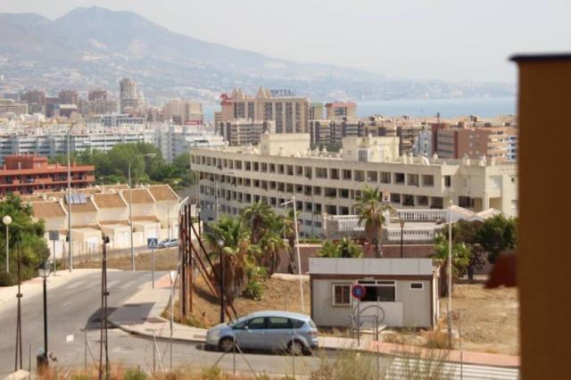 Zona Miramar playa, junto Castillo, apartamento con vistas al mar con garaje