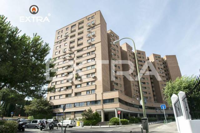 piso de 2 dormitorios, reformado en calle Cardenal Marcelo Spinola, Zona Nueva E