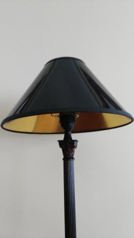 Pantalla de lampara en charol