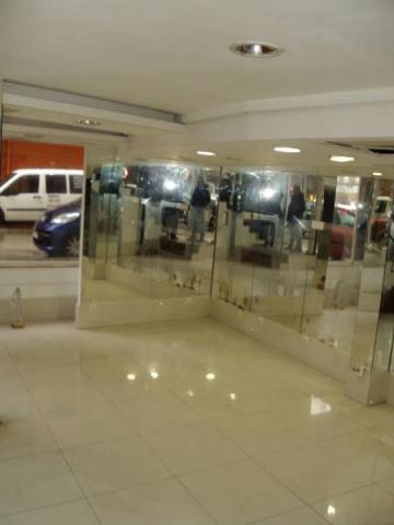 SE VENDE EXCELENTE LOCAL COMERCIAL EN RONDA OUTEIRO
