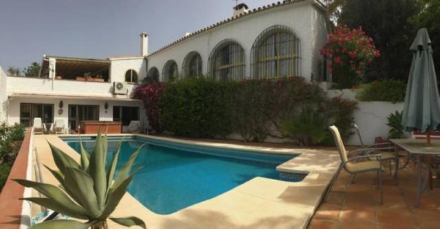 Impresionante Villa en la zona baja de Torreblanca