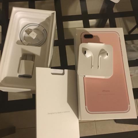 Apple iPhone 7 Plus 4G Phone (128GB, Gold)