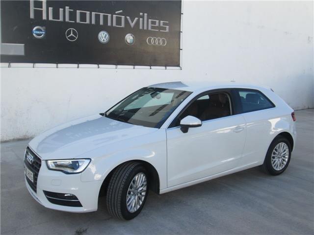 Audi a3 1.6TDI Ambiente CUERO, LLANTAS 17, XENON
