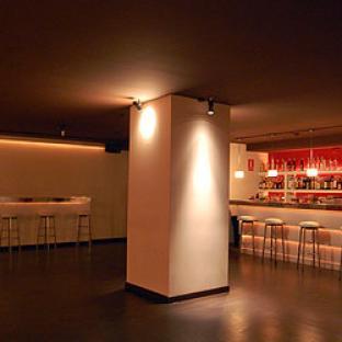 691-841-000- locales para fiestas en Barcelona