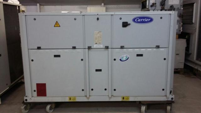 Enfriadora de agua Carrier 143 kw (122.980 frigorias) bomba calor