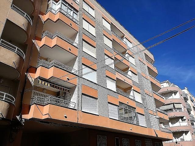 Piso 3 dormitorios 2 baños con plaza de garaje Torrevieja