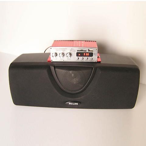 Altavoz portatil con amplificador incorporado con radio FM