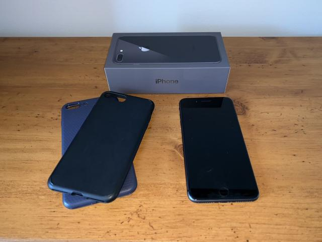 Apple iPhone 8 Plus 256GB Factory Desbloqueado