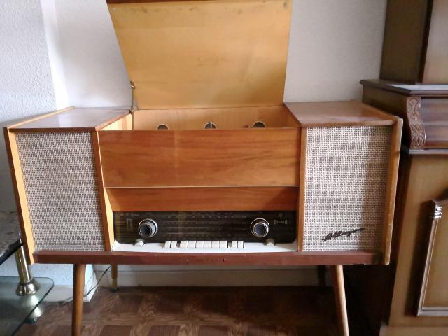 Vendo radio tocadiscos Telefunken Allegro