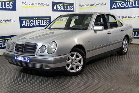 Mercedes-Benz E 240 Elegance MUY CUIDADO
