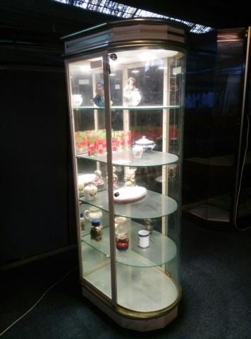 Expositor de cristal y aluminio