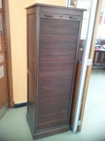 Precioso mueble archivador antiguo con persianas y cajoneras de m