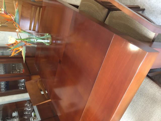 Muebles de salon, elegantes en cerezo y acero