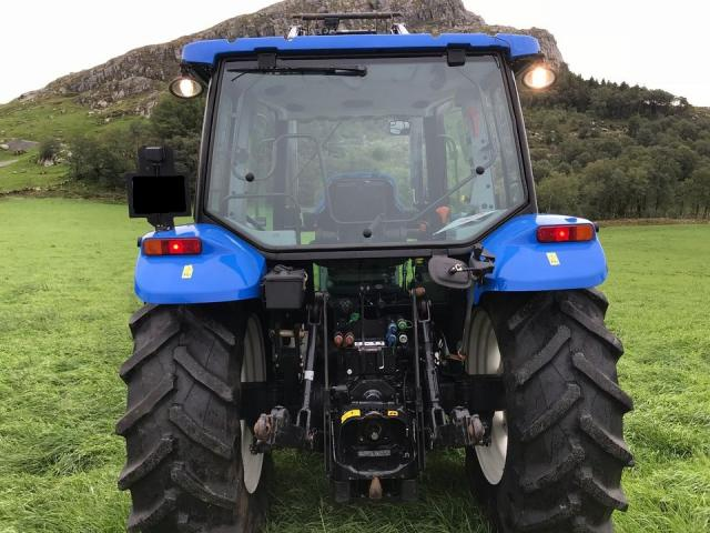 New Holland T 5040 ( 4000 ) T 5040 Holland