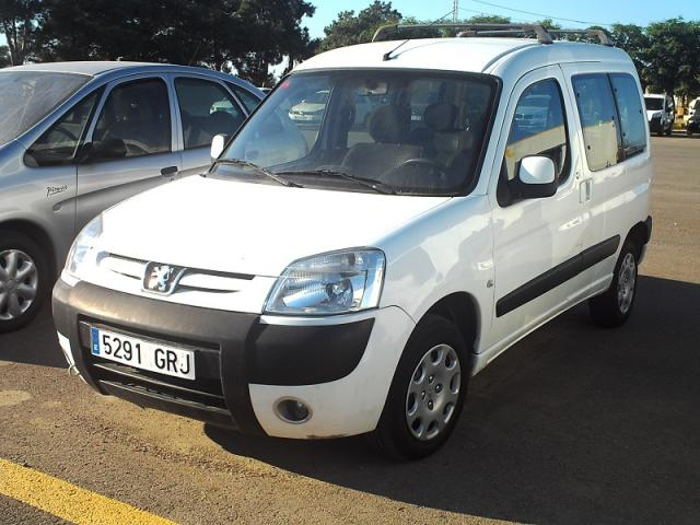 Peugeot PARTNER 1.6 HDI con doble puerta lateral.