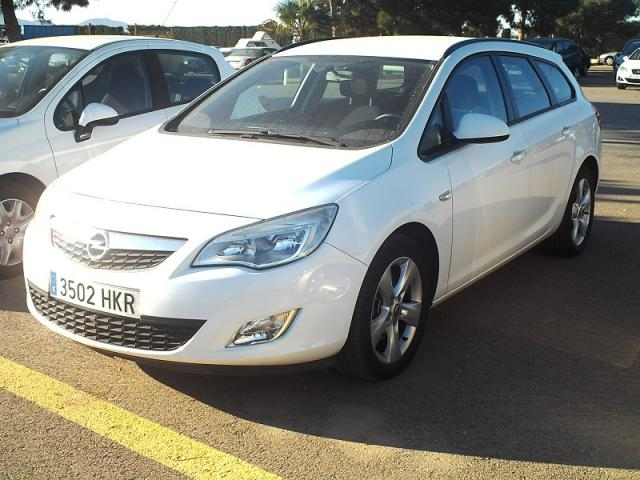 Opel Astra ST 1.7 CDTi 110 CV 6 velocidades.
