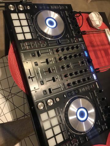 Pioneer DJ mixer nuevi