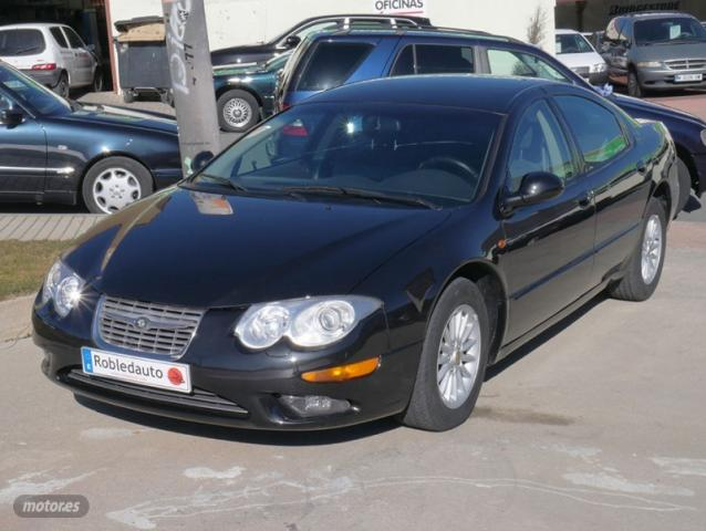 Chrysler 300 M 2.7 V6 24V de 1999 con 165.297 Km por 3.900 EUR. en Madrid